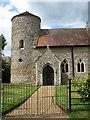 TM2799 : St Mary's church - entrance into churchyard by Evelyn Simak