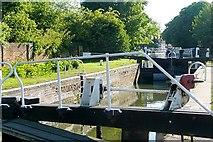 SU4767 : Newbury Lock by Graham Horn