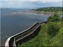 NS3974 : Dumbarton Castle: western curtain wall by Lairich Rig