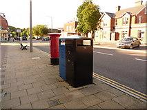 SZ0095 : Broadstone: postbox № BH18 172, Lower Blandford Road by Chris Downer