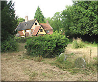TM3395 : House beside the churchyard by Evelyn Simak
