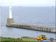 NJ9605 : South Breakwater by Colin Smith