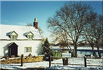 TL1351 : The Old Cottage, Great Barford, Bedfordshire by nick macneill