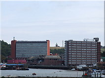 TQ7568 : River Medway at Chatham by Chris Whippet