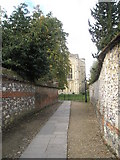 SU4829 : Path from Paternoster House to Winchester Cathedral by Basher Eyre
