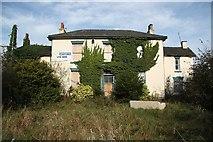 SE7811 : The New Trent Inn by Richard Croft
