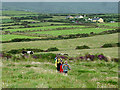 V4698 : Coastal path climbs to Ceann na Binne by Andy Waddington