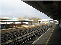 SU4519 : Looking across from platform 2 to  platform 1 at Eastleigh Railway Station by Basher Eyre