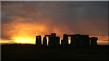 SU1242 : Stonehenge Sunset (2) by Peter Trimming