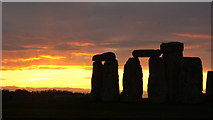 SU1242 : Stonehenge Sunset (4) by Peter Trimming
