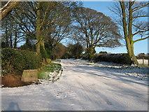 SO9875 : Entrance to Beacon Farm, Beacon Lane by Roy Hughes