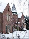SE3321 : Grove Hall, College Grove Road by Christine Johnstone
