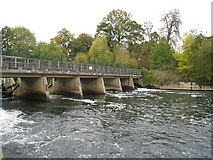 SU9085 : Weir on the Thames by Given Up