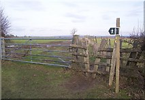 TQ5344 : Footpath junction near Well Place Farm by David Anstiss