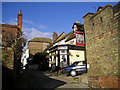 TQ7570 : The Tudor Rose Pub, Upper Upnor by canalandriversidepubs co uk