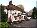 SP9126 : The Globe Inn Pub, Linslade by canalandriversidepubs co uk