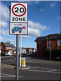 SZ0894 : Bournemouth : Speed Sign & Road Junction by Lewis Clarke