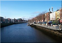 O1534 : The Liffey from O'Connell Bridge by Eric Jones