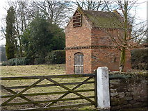 SK6548 : Dovecote in Epperstone by Peter Barr