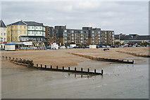 SZ9398 : Beach at Bognor Regis by Peter Trimming