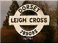 ST7808 : Ibberton: detail of Leigh Cross finger-post by Chris Downer