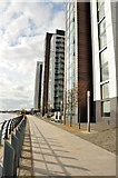 NS5566 : Glasgow Harbour housing development by Steven Brown