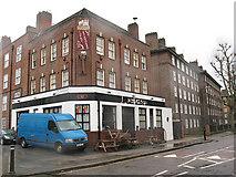 TQ3279 : The Royal Standard, Harper Road by Stephen Craven