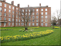 TQ3279 : Bramwell House, Harper Road by Stephen Craven