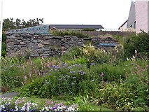 HU4039 : Garden at Mary Russland's Cottage by Robbie