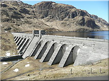 NN6039 : Lochan na Lairige dam by Russel Wills