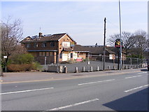 SO9199 : Burnt Pub by Gordon Griffiths