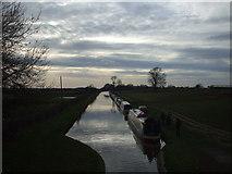 SJ7626 : Narrowboats moored for the night, Shebdon by John Lord