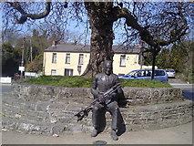 O1360 : Seamus Ennis Statue, The Naul, Co Dublin by C O'Flanagan