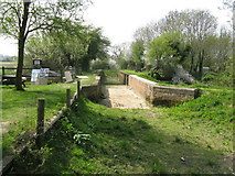 TQ0524 : Lording's Lock Aqueduct by Dave Spicer