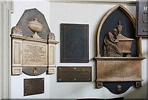 TQ2882 : St Marylebone, Marylebone Road, W1 - Wall monuments by John Salmon