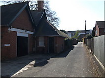 SP2871 : Driveway to the side of Wilton House, Southbank Road, Kenilworth by John Brightley