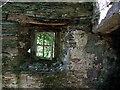 SN1641 : Window in ruined dwelling by ceridwen