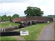SU2562 : Lock 58, Kennet and Avon Canal by David Martin