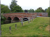 TG1508 : Bridge over the River Yare, Bawburgh by Geographer