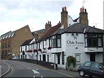 TQ1667 : Ye Olde Swan, Thames Ditton by Malc McDonald