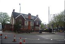 TQ3473 : Grove Tavern, Dulwich Common by N Chadwick