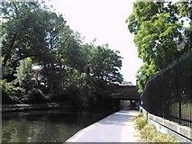 TQ2783 : Avenue Road bridge over the Regent's Canal by Robert Lamb