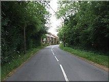 SP9015 : Luke's Lane Gubblecote by Rob Farrow