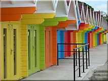 TA0390 : Beach huts by Chris Allen