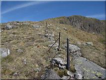 NN2145 : Abandoned fenceline on Sron a' Ghearrain by Hugh Venables