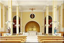TQ2879 : St Peter, Eaton Square, London SW1 - Chancel by John Salmon