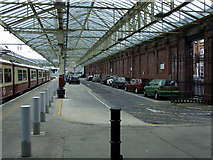 NS2982 : Helensburgh Central Station by Thomas Nugent