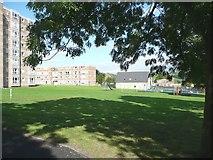 SE1020 : Recreation ground, Elland by Humphrey Bolton