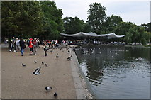 TQ2780 : London : Westminster - Hyde Park & Serpentine by Lewis Clarke