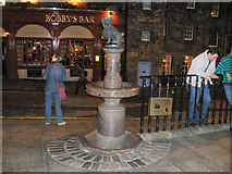 NT2573 : Greyfriars Bobby Statue by Tony Emptage